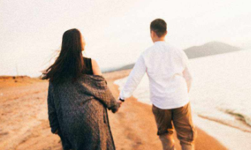情感导师支招:该如何挽回女友?