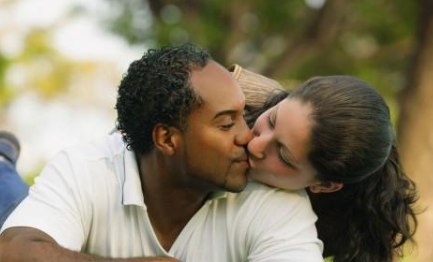 要怎么挽回男朋友的心?掌握四大挽回技巧