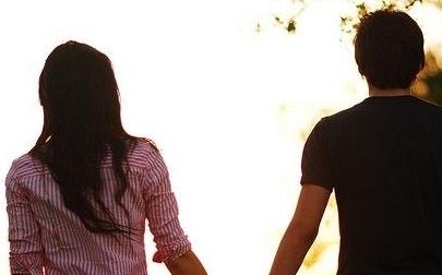 该如何挽回老公?和丈夫交心沟通